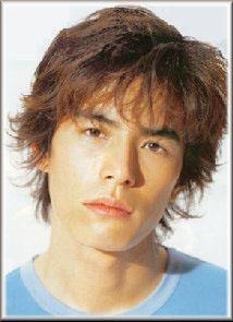 伊藤英明 髪型 ショート